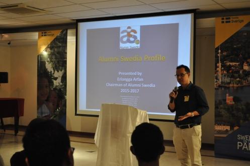 Presentation by Erlangga Arfan, Chairman of Alumni Swedia